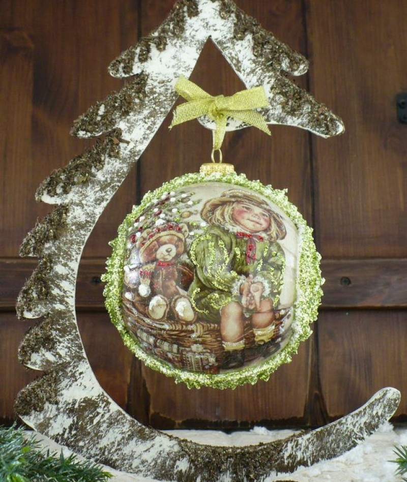 """Ball in the style of """"Decoupage"""" art. 0921"""