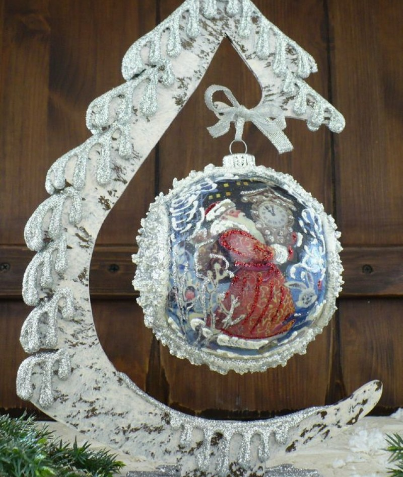 """Ball in the style of """"Decoupage"""" art. 0939"""